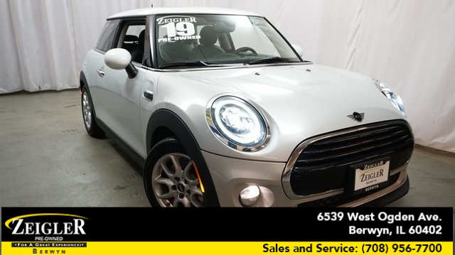 Pre-Owned 2019 MINI Cooper Signature